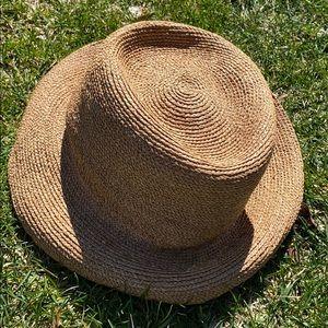 Nice sun hat !!